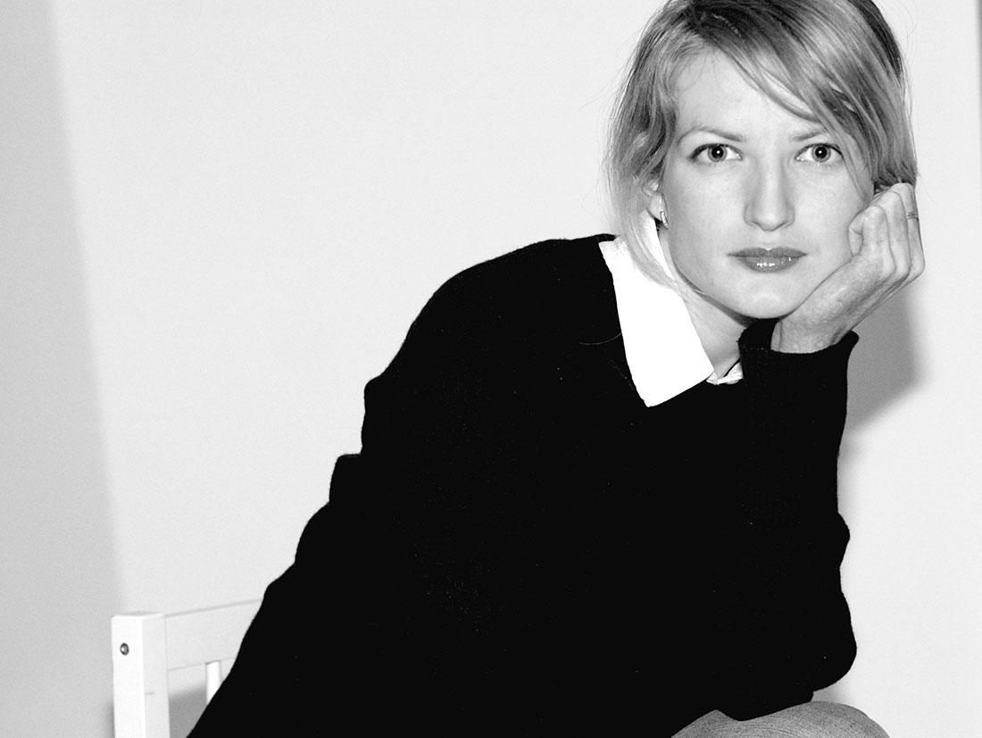 Frauenportrait in schwarz weiss