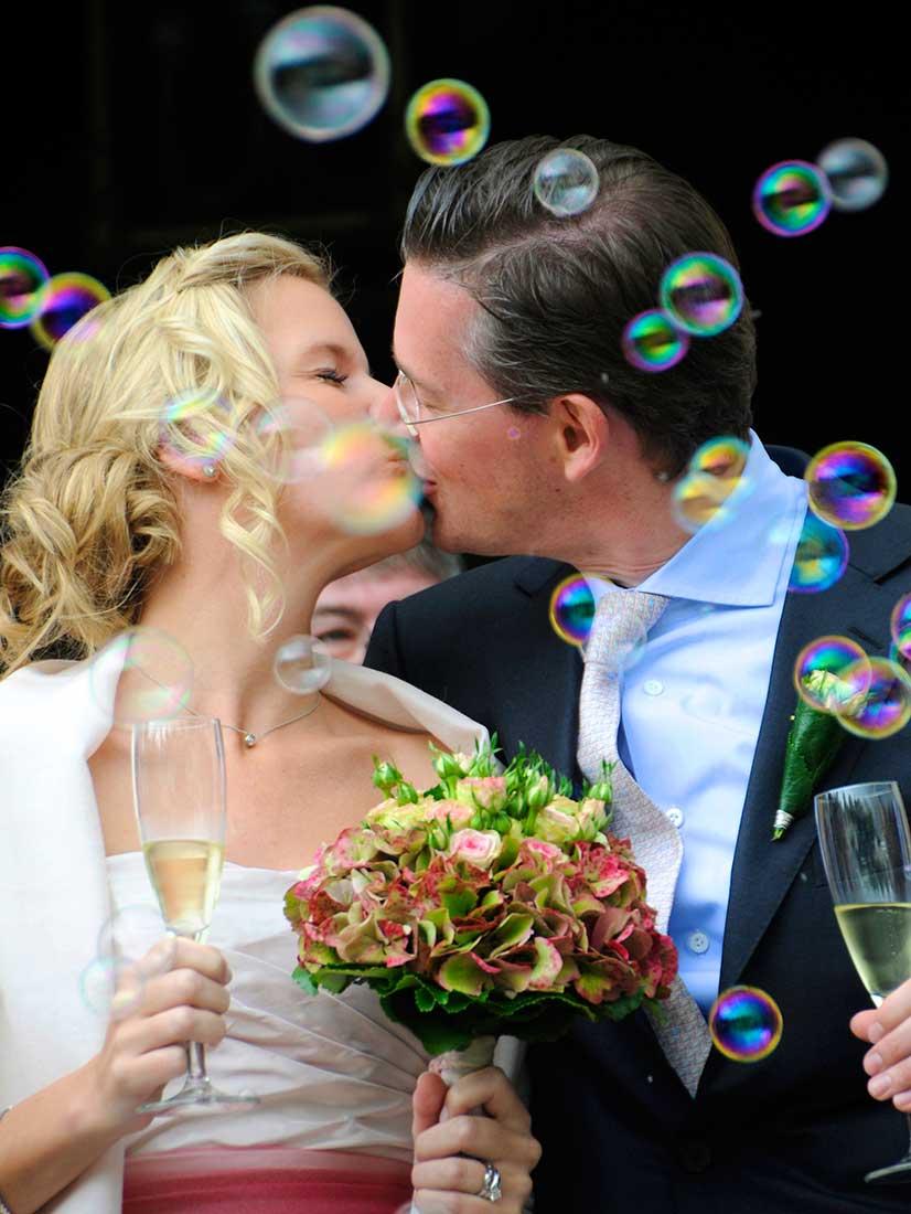 Seifenblasen auf einer Hochzeit
